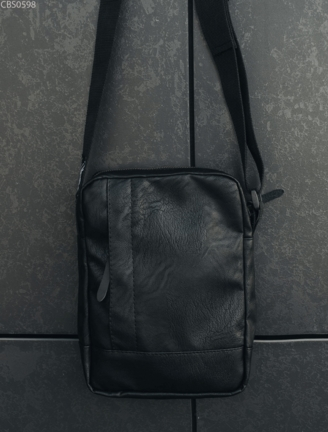 Сумка через плече Staff leather black